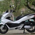 Ra mắt thị trường lần đầu vào trung tuần tháng 9/2010, mẫu xe tay ga Honda PCX đã thổi một luồng gió mới vào thị trường xe máy Việt Nam với thiết kế đẹp, lạ mắt và có phần nam tính. Tháng 1/2014, hãng xe Nhật Bản tiếp tục tung ra thế hệ mới nhất của PCX với những thay đổi đáng kể về thiết kế.